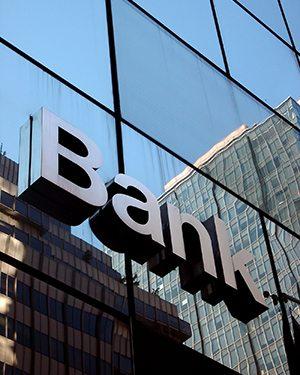 Administration, banque et fiscalité